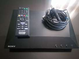 Blu-ray Disc/ Dvd Player Bdp - S1100 Sony