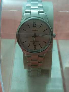 Reloj Casio femenino