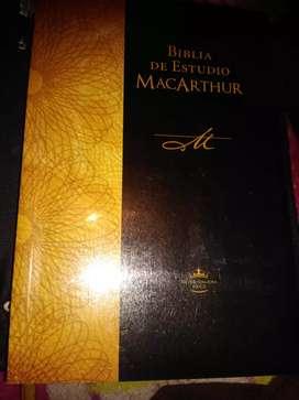 Vendo biblia MacArthur
