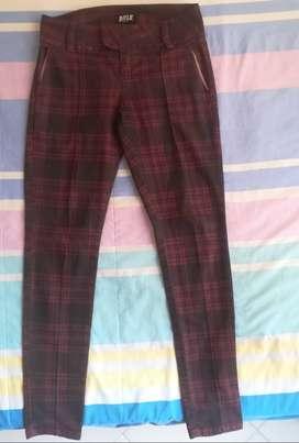 Pantalon marca RIFLE talla 8 /perfecto estado
