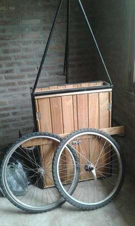 Vendo Permuto Carro de madera con estructura de hierro 20x60x25