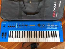 Yamaha MX49 Music Synthesizer with carrying case and power supply
