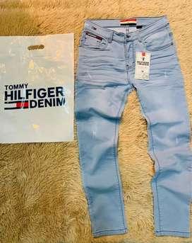 Pantalones jean semi pitillo