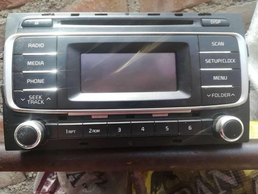 Auto radio original de kia 0