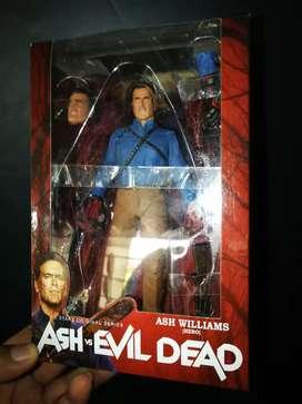 Figura de Ash Williams de la saga de Evil Dead.