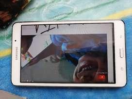 Tablet Samsung en buen estado.