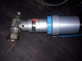 Actuador  neumático de caudal regulable, con valvula esferica de 3/4 (italiano)