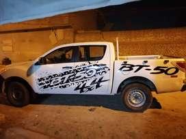 Camioneta mazda 4x4