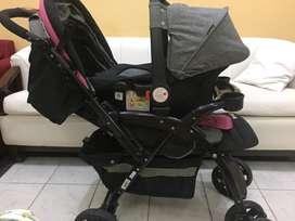 Coche reversible con portabebe de niña ebaby y andador