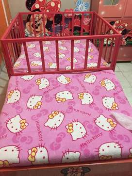 Se vende cama de Minnie mouse