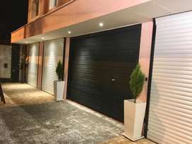 Se alquilan en la Ciudad de Maipú : 2 Salones Comerciales / Oficinas a Estrenar