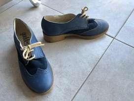 Vendo hermosos zapatos azules