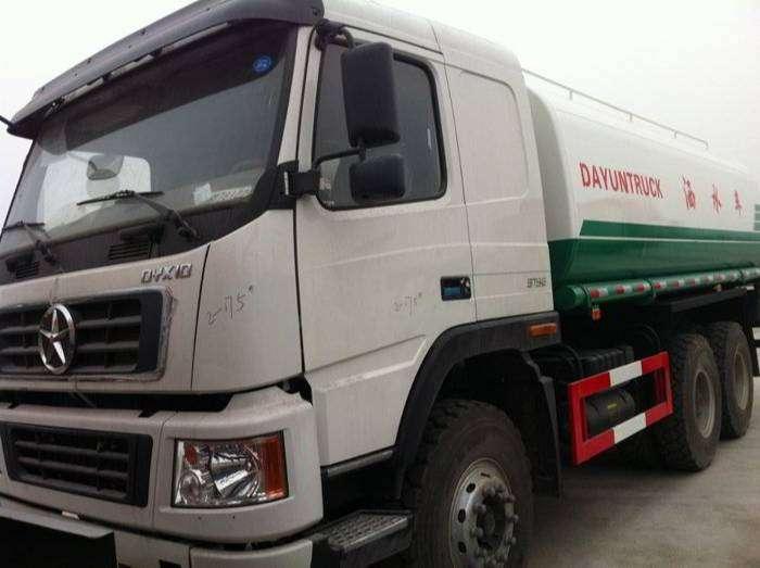 Venta de camion Cisterna 6x4 DMC 2015 Potencia de 375 hp Precio Oferta 0
