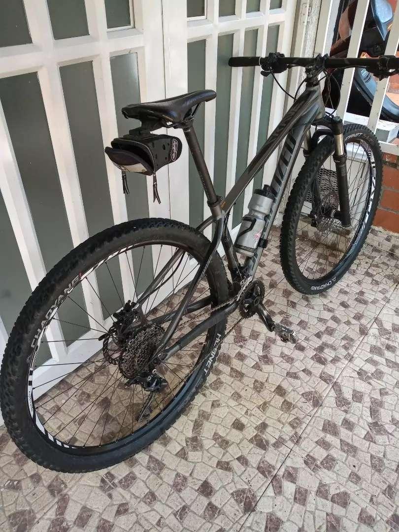 Bicicleta MTB 0