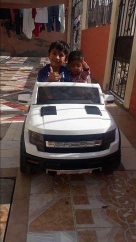 Vendo carros electricos a bateria para niños