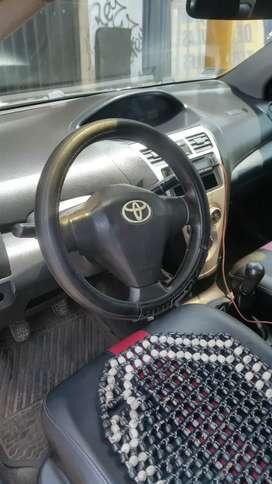 Vendo Toyota yaris  motor 1300 año 2012