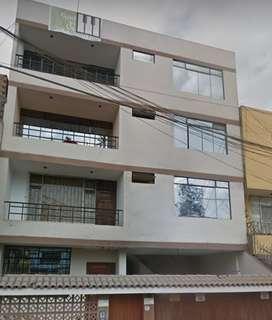 Alquiler Departamento- 4to Piso en Avenida