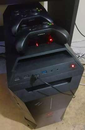 Vendo PC  gamer gama alta con 2 controles de Xbox one