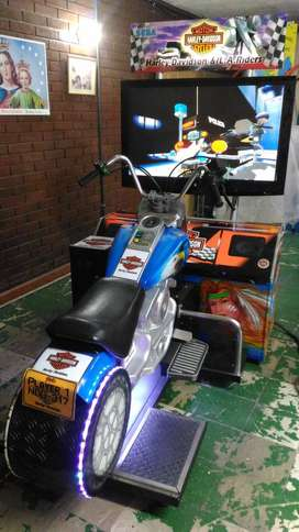"Simulador Moto HARLEY DAVISON DX LCD de 42"""