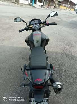 Se vende flamante moto Thunder modelo F16 250 color negra