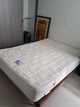 Cama doble base con colchón