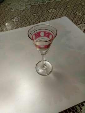 Copitas Vintage, vuelve a completar esas copas rotas.