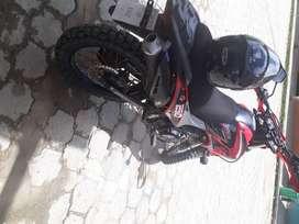 SE VENDE MOTOCICLETA SHENERAY 6I 250CC