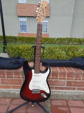 Guitarra eléctrica estilo Estratocaster JC Marvin, excelentes condiciones