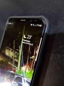Remato S8 plus con detalle en pantalla