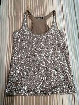 Vendo hermosa blusa beige, marca: Studio F, talla XS.