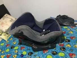 Vendo cuna como nueva y silla para carro