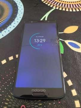 Vendo Motorola g6 libre Astillado