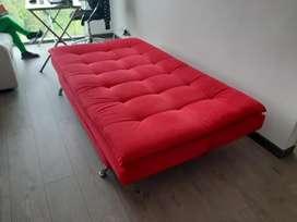 Vendo hermoso sofa cama en muy buen estado