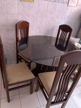 Mesa de comedor 5 sillas