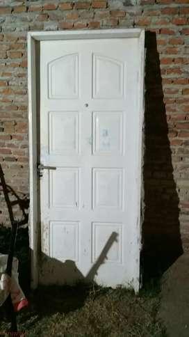 Puerta de frente