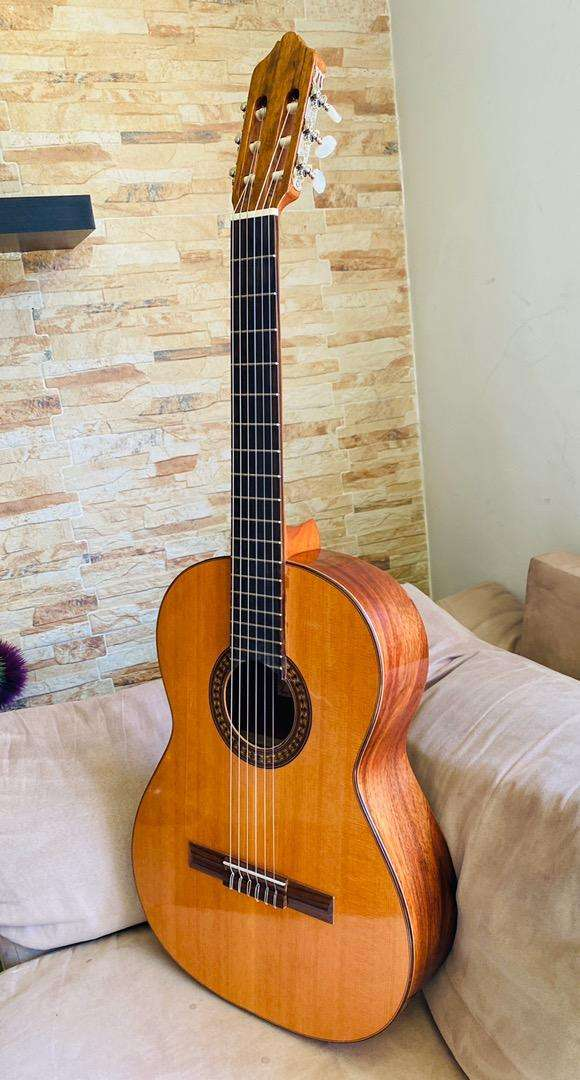 Guitarra Española nueva, marca Azahar 0