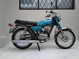 Moto clásica en excelentes condiciones