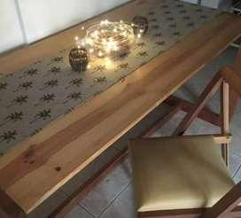 Mesa living-comedor + 4 sillas de madera plegables