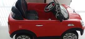 Mini cooper electrico rojo usado en muy buen estado, 2 años de uso 550.000