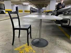 Mesa Exteriores TUGO + 2 sillas.