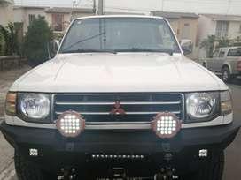 vendo carro Mitsubishi 4x4