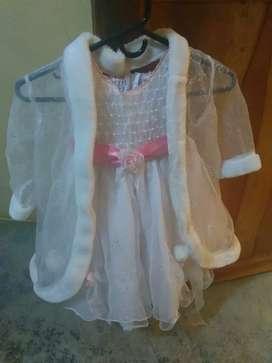 Se venden dos hermosos vestidos de bautizo