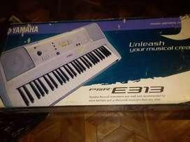 Se vende un sintetizador