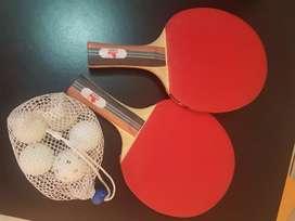 Vendo raqueta de ping pong con sus pelotitas