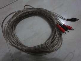 Cable reforzado de 10 metros.
