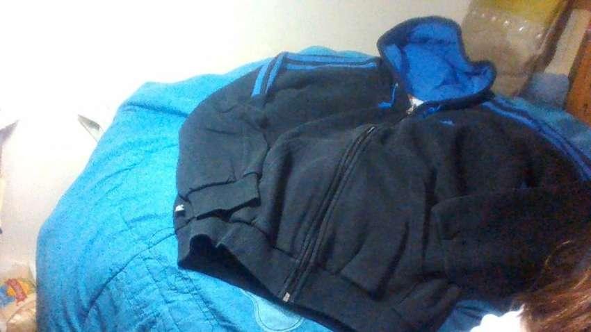 Joging ADIDAS campera con capucha y pantalon 2 bolsillos con cierre 0