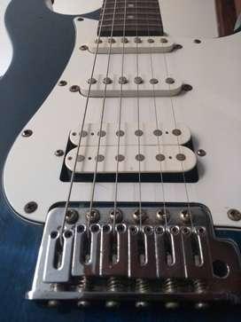 Guitarra eléctrica económica - venta o cambio por bajo eléctrico - negociable