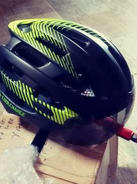 Vendo casco nuevo.