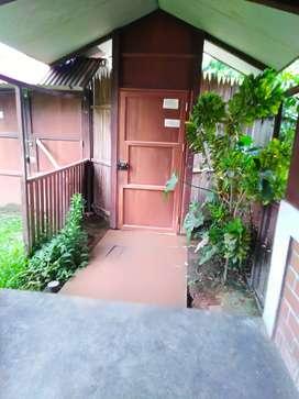 Se vende una casa por motivo de víaje