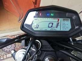 Se vende moto todo terreno nueva por motivo de viaje